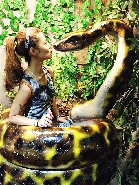 巨大な「蛇」