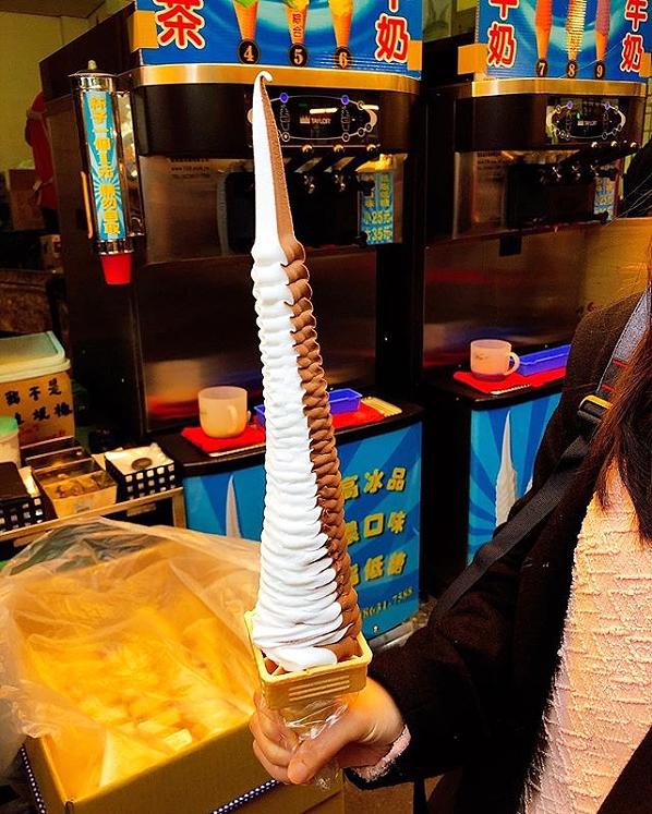 台湾名物「巨大ソフトクリーム」