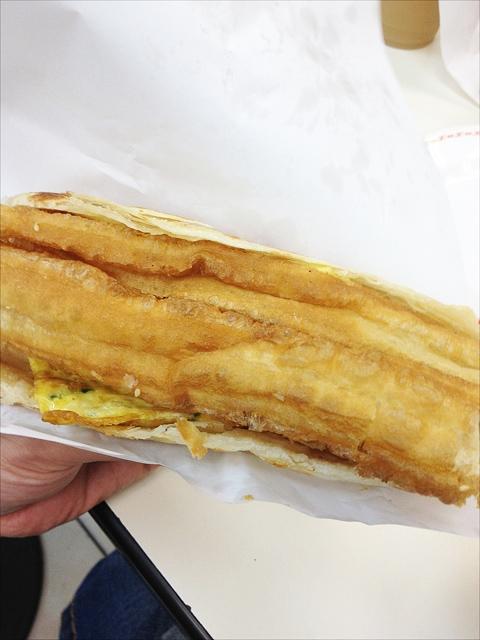 台湾の世界豆漿大王の揚げパン、定番メニューです