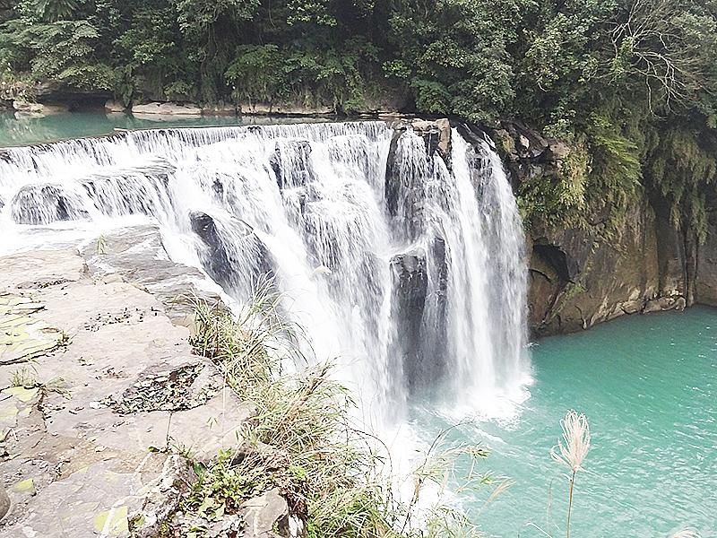 台湾のナイアガラ「十分大瀑布」を見に行きましょう