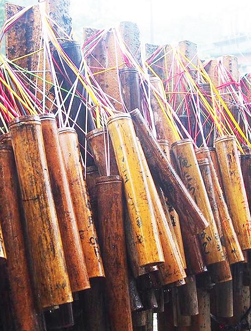 平渓線の終点「菁桐駅」で竹筒に願いを書きましょう