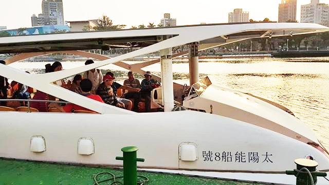 台湾高雄「愛之船」の乗船時間・時刻表・価格